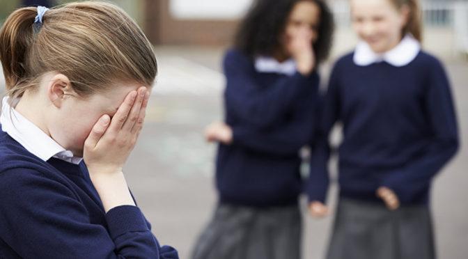 Родители против буллинга: что делать, если ребенка травят в школе